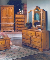 Bebe 7 Drawer Dresser And Tri-View Mirror