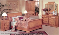 Renaissance Venice Sleigh Bed Honey Oak